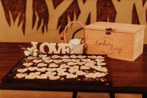WeddingDinnerDecor_AmyArchie-6