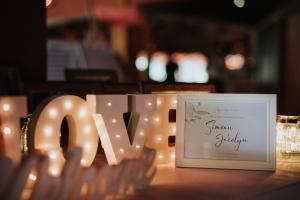 WeddingCeremonyDecor_Jocelyn-Simeon05